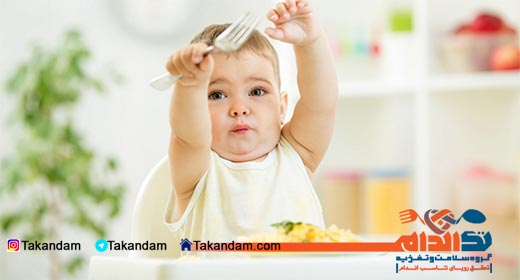 infant-nutrition-eating-with-fork