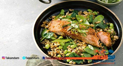 stretch-marks-nutrition-salmon